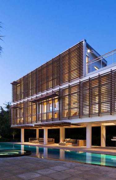 Guest Pavilion by Stephen Yablon Architecture is located in Charleston, South Carolina.