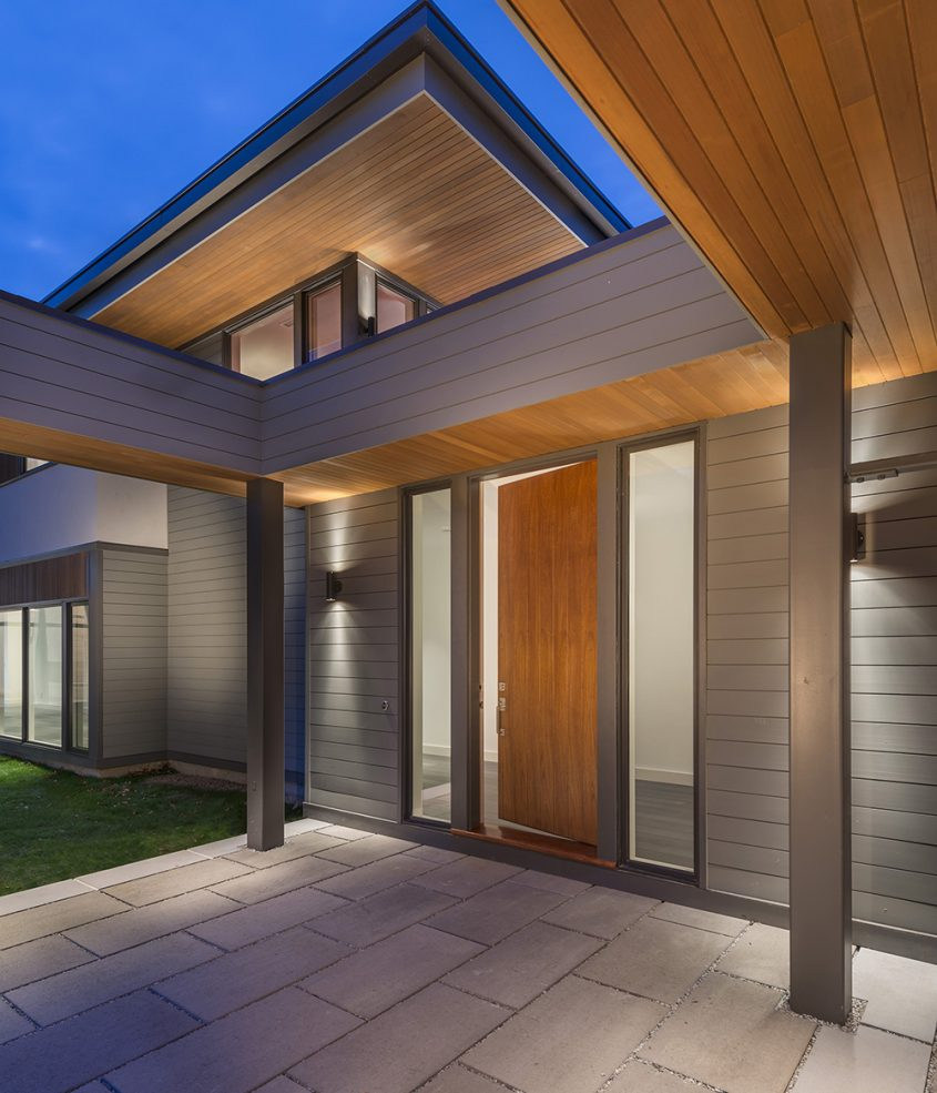 entry courtyard patio with wood soffit roof overhang