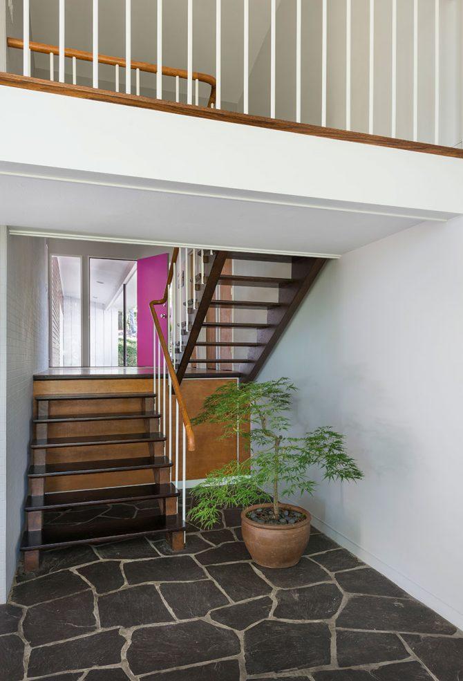 mid-century modern split level entry staircase