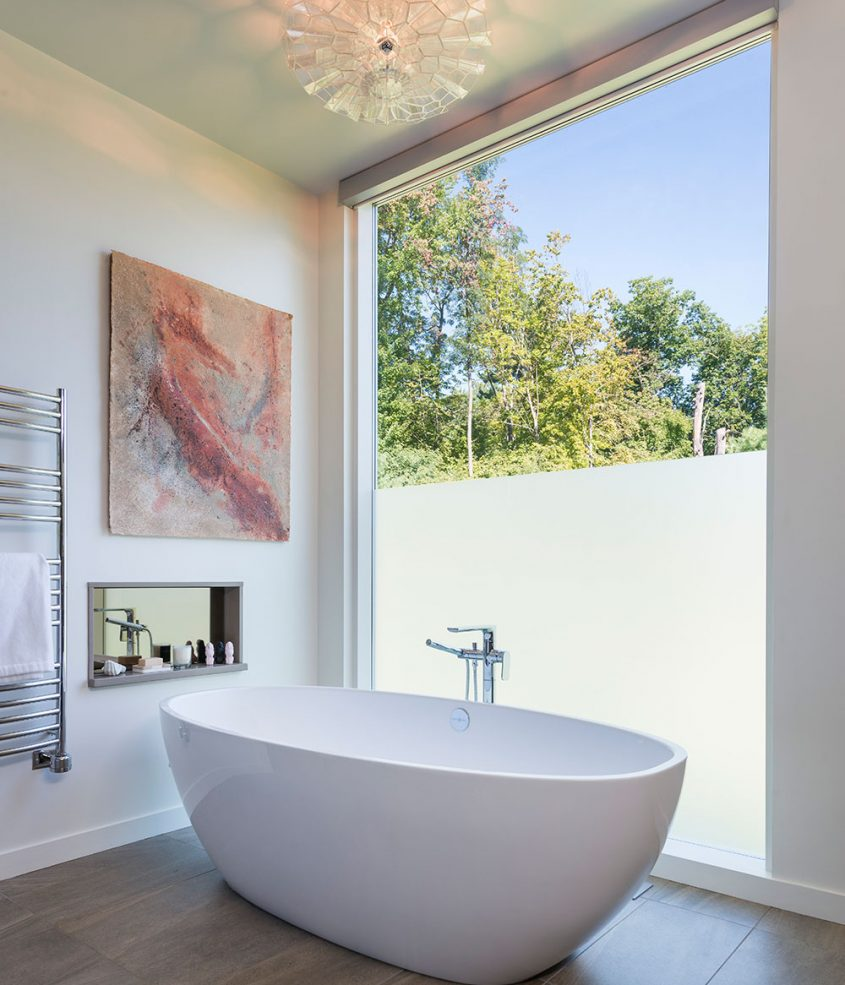 master bath soaking tub with etched window